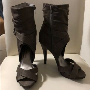 Chinese Laundry Sandals Booties